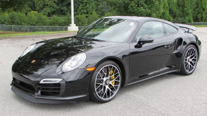 Rent Porsche 911 Turbo S